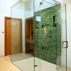 modern bathroom by Nguyen Architects, Inc.