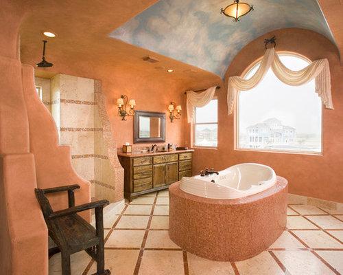 mediterrane badezimmer mit orangefarbenen w nden ideen. Black Bedroom Furniture Sets. Home Design Ideas
