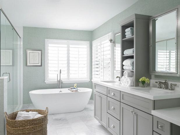 トランジショナル 浴室 by Krista + Home