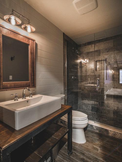 Salle de bain montagne avec un wc poser photos et for Dcaper un carrelage