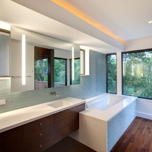 Inspiration for a contemporary bathroom remodel in Austin with an undermount sink