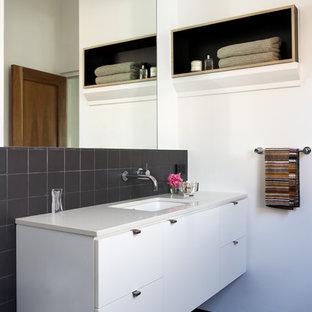 Rental Income Property Bathroom Ideas Photos Houzz - Rental bathroom remodel