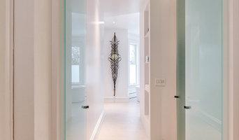 Heard Residence Master Bathroom Entry