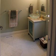 Modern Bathroom by Schnarr Craftsmen Inc