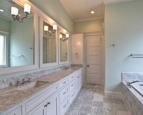 Salle de bain victorienne avec un carrelage vert photos - Carrelage salle de bain vert d eau ...