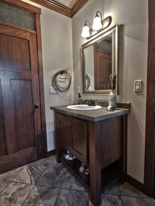 Salles de bains et wc de taille moyenne avec un plan de toilette en stratifi - Taille moyenne salle de bain ...