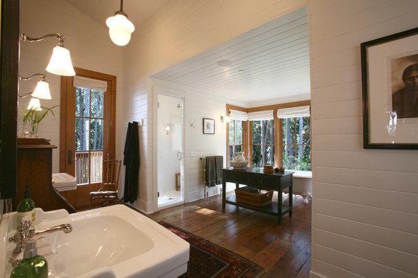 Rustic Bathroom by Bosworth Hoedemaker