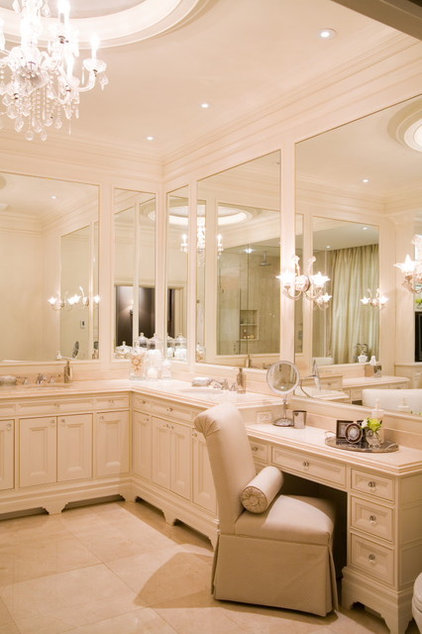 Traditional Bathroom by Toronto Interior Design Group | Yanic Simard