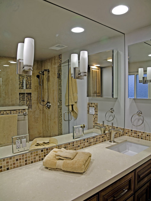 Best Mirror Wtih Electrical Outlet Design Ideas & Remodel Pictures | Houzz