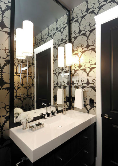 コンテンポラリー 浴室 by Atmosphere Interior Design Inc.