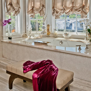 Elegant alcove bathtub photo in Los Angeles