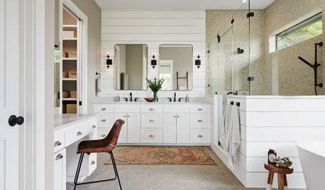 Your Guide to a Farmhouse-Style Bathroom