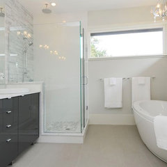 modern bathroom by Kore Residential