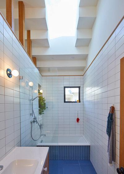 コンテンポラリー 浴室 by Bunch Design