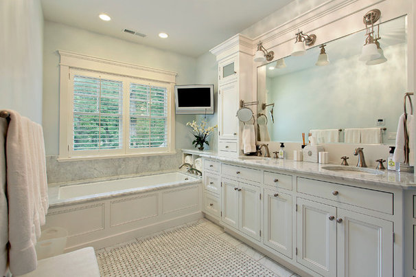 Traditional Bathroom by Highgate Builders