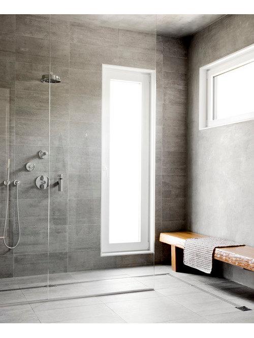 ejemplo de cuarto de bao moderno extra grande con armarios con paneles lisos