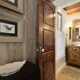 Esempio di una piccola stanza da bagno con doccia rustica con consolle stile comò, top in legno, doccia doppia, piastrelle bianche, piastrelle diamantate, pareti blu, pavimento in pietra calcarea e ante in legno bruno