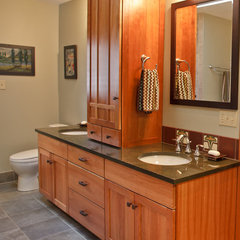 traditional bathroom by Nest Decoration