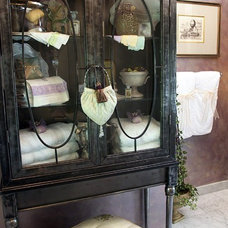 Traditional Bathroom by Lenore Frances Interiors