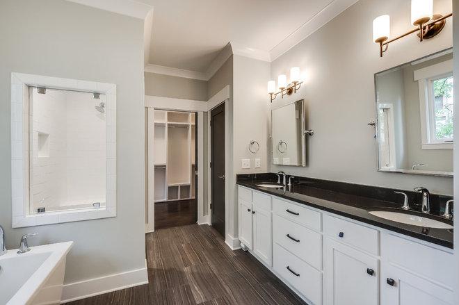 Craftsman Bathroom by Marilyn Kimberly, Interior Designer