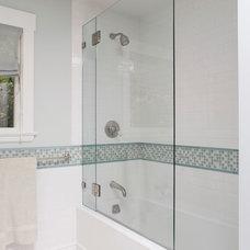 Traditional Bathroom by Scheinholtz Associates