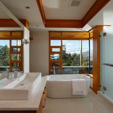 Bathroom by Don Stuart Architect Inc