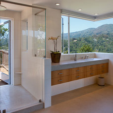 Eclectic Bathroom by Geoffrey Butler Architecture & Planning
