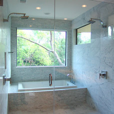 Modern Bathroom by Steve Zagorski, Architect