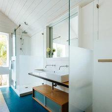 Contemporary Bathroom by Aaron Gordon Construction, Inc.