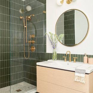 ニューヨークのコンテンポラリースタイルのおしゃれなマスターバスルームの写真
