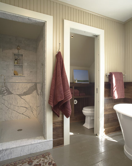 Traditional Bathroom by TreHus Architects+Interior Designers+Builders