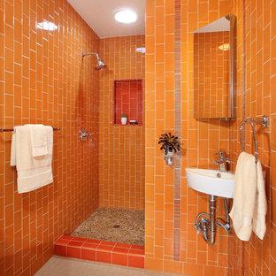 ロサンゼルスのエクレクティックスタイルのおしゃれな浴室の写真
