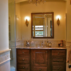 Traditional Bathroom by Hoffman Grayson Architects LLP