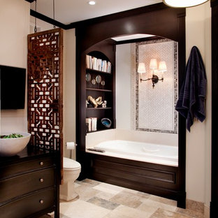 Inspiration for a timeless bathroom remodel in Chicago with a vessel sink