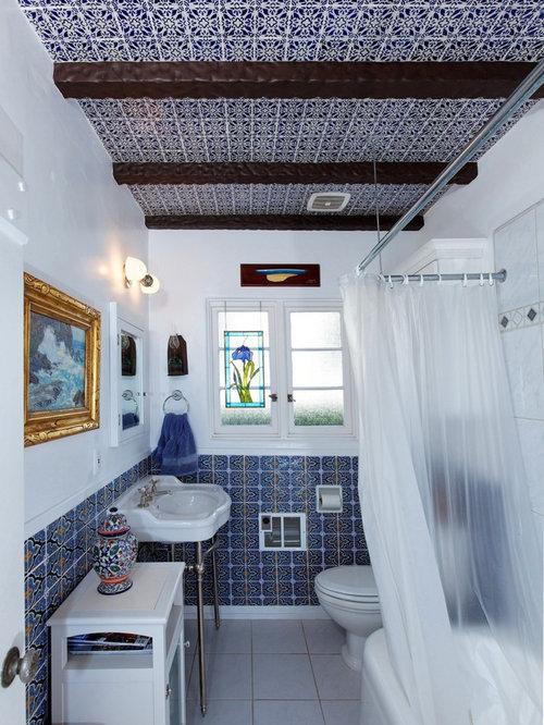 mediterrane b der mit blauen fliesen ideen design. Black Bedroom Furniture Sets. Home Design Ideas