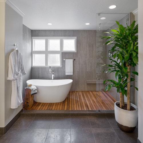 Salle de bain asiatique avec une douche ouverte : Photos et ...