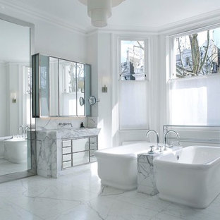 Holland Park - Master Bathroom