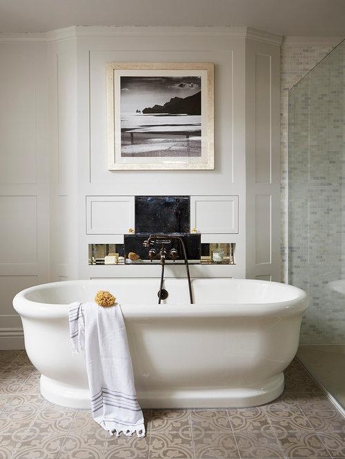 Bathroom design ideas renovations photos with brown tiles and beige walls Beige brown bathroom design