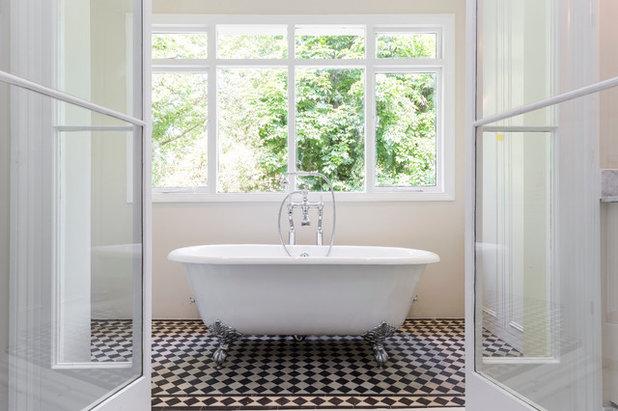 Victorian Bathroom by Huntsmore