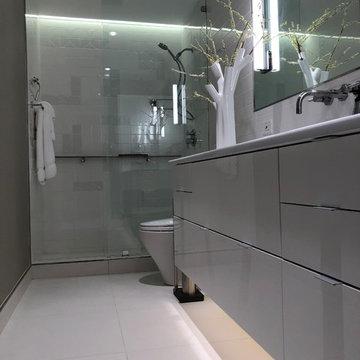 Holley Bathroom