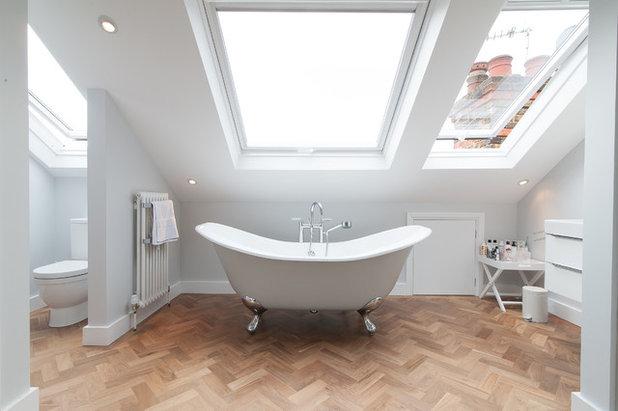 コンテンポラリー 浴室 by 50 Degrees North Architects
