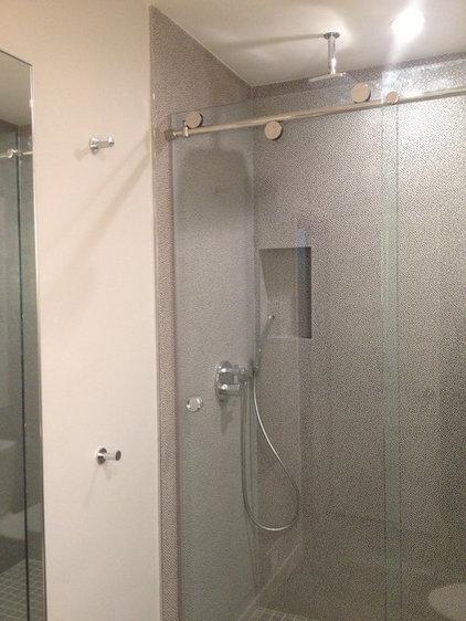 Contemporary Bathroom by 3Finteriors