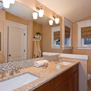 Foto de cuarto de baño principal, de estilo americano, de tamaño medio, sin sin inodoro, con armarios con paneles lisos, puertas de armario naranjas, sanitario de una pieza, parades naranjas, lavabo bajoencimera, encimera de granito y ducha con puerta con bisagras