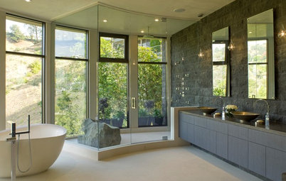 Go Au Naturel in the Bath With Beautiful Stone