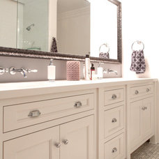 Traditional Bathroom by Hollywood Sierra Kitchens