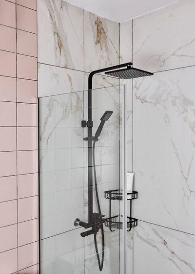 Bathroom by Studio FortyFour