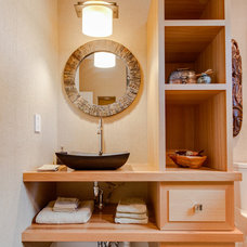 Asian Bathroom by Hudson's Luxury Building Boutique