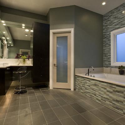 Bathroom - contemporary bathroom idea in Chicago with a vessel sink