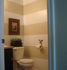 traditional bathroom Horizontal Stripes