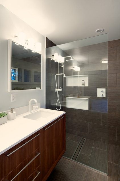 Midcentury Bathroom by Design Platform